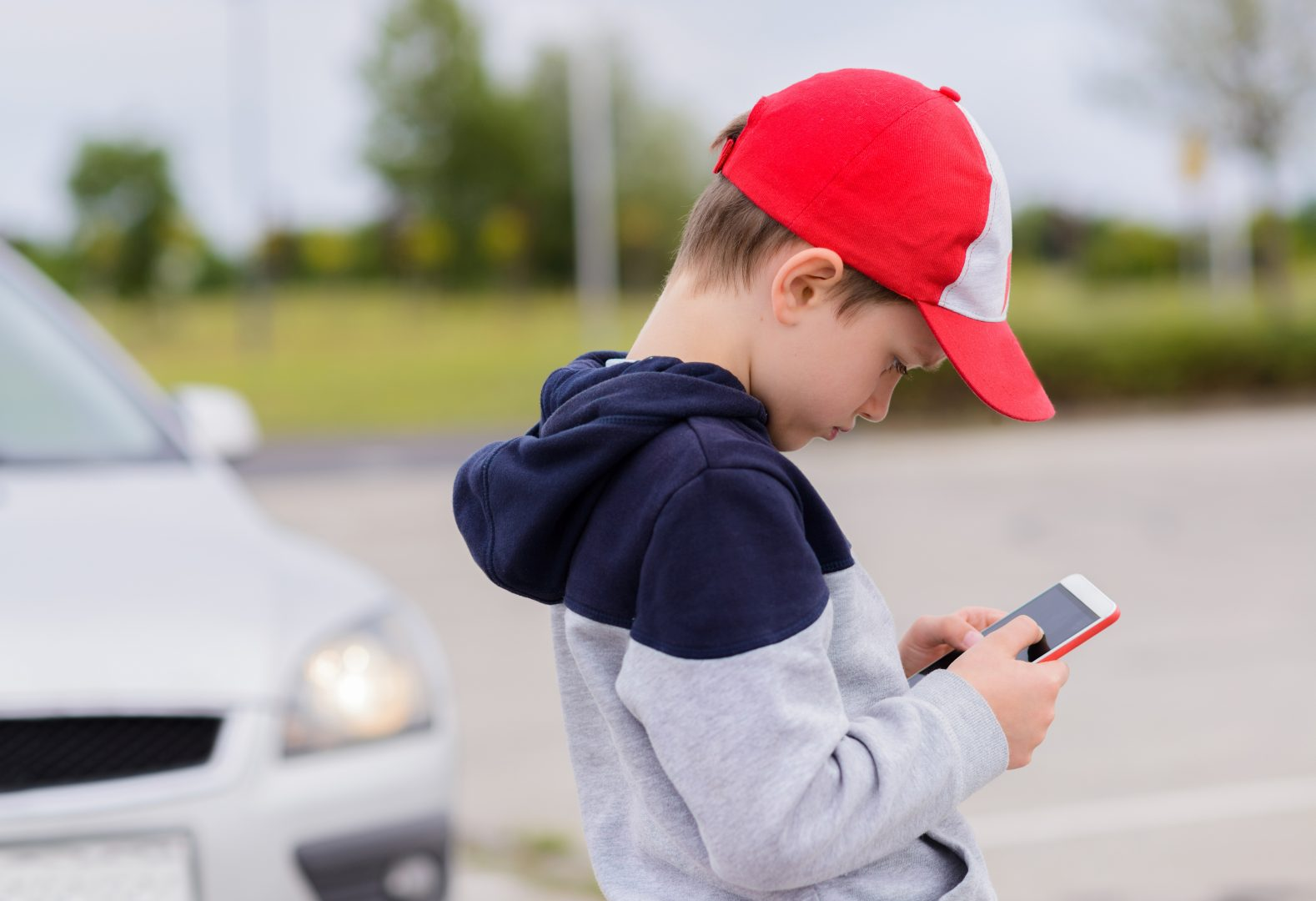 cell phones should be banned from rural schools in the united states France will be banning mobile phones in schools from september  it's what  makes us different to so many others in the media, at a time when.